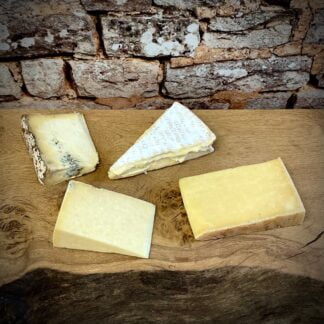 The Courtyard Dairy - Best Seller Cheese Box